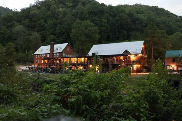 Tapoco lodge robbinsville nc tail of the dragon at for Deals gap cabin rentals